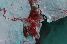 Floods imaged by Copernicus Sentinel-1.