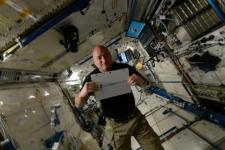 Astronaut Scott Kelly will post the winning picture of the month in Instagram from the ISS