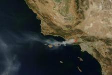Satellite image of a wildfire in Topanga, California (Image: NASA)