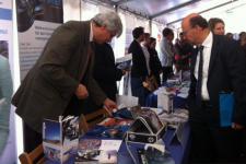 Minister Lersch-Mense of North Rhine Westphalia visiting the UN-SPIDER stand