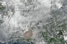 Image of the eruption and resulting ash plume of the Volcan de Fuego in Guatemala captured by the NOAA/NASA Suomi National Polar-orbiting Partnership satellite on 3 June 2018. Image: NASA Earth Observatory